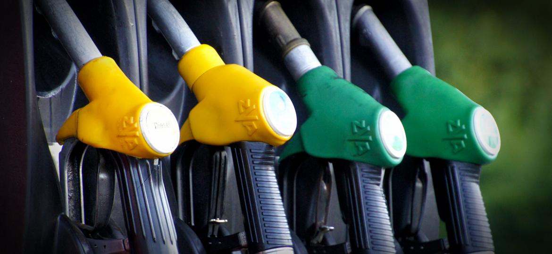"""Saiba como poupar combustível sem esforço e de forma """"natural"""""""